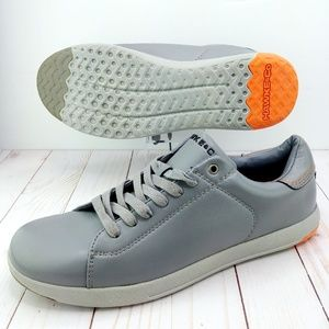 Hawke & Co | NWOT Gray Helm Leather Sneaker